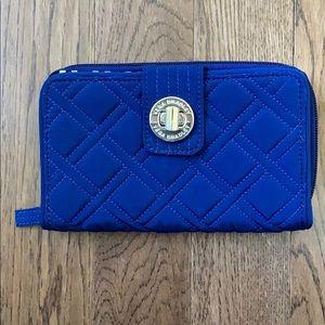 Vera Bradley Iconic RGUD Turnlock Wallet